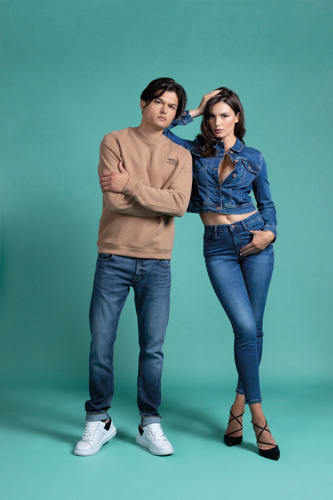 Fashion-forward sustainability with the SMART GUESS ECO collection