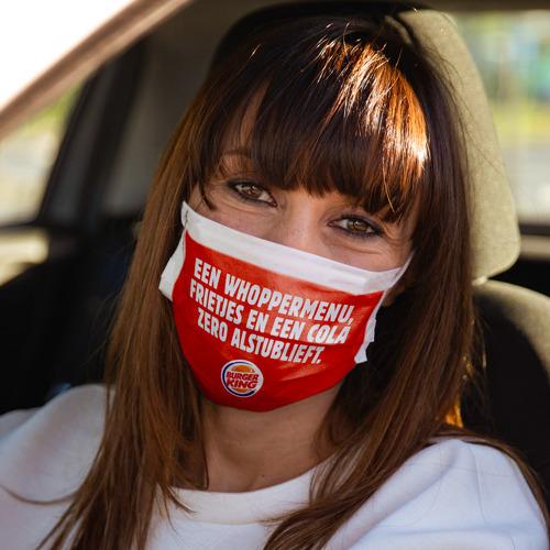 Het mondmasker van BURGER KING® neemt je de woorden uit de mond