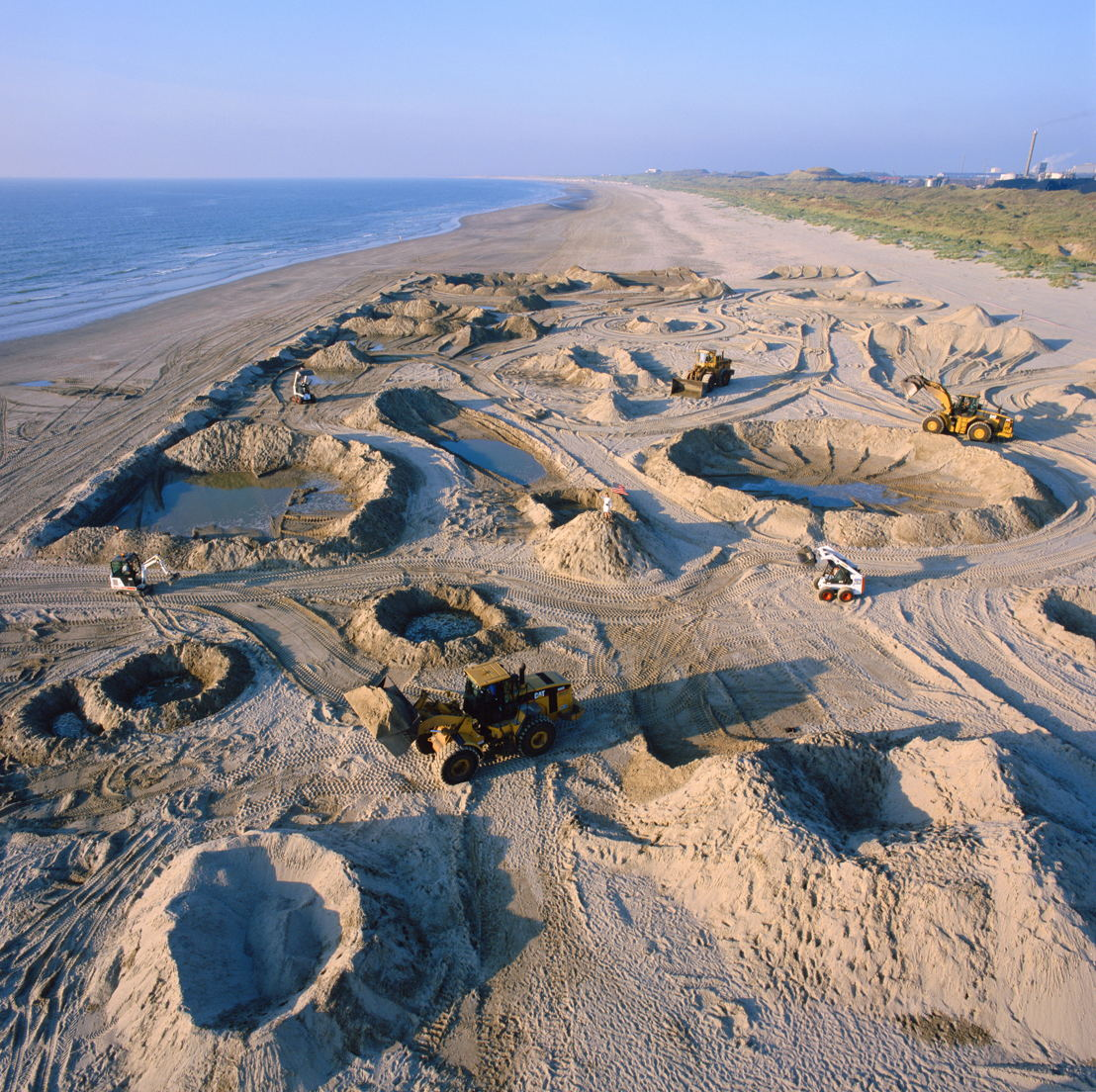 Aleksandra Mir 'First Woman on the Moon', Wijk aan Zee (NL), 1999