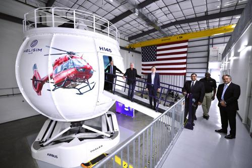 Le premier simulateur Full Flight H145 en Amérique du Nord a été inauguré à Grand Prairie, au Texas