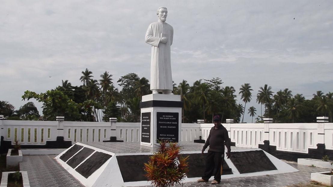 Het standbeeld voor Pater Vertenten - (c) Jimmy Hendrickx