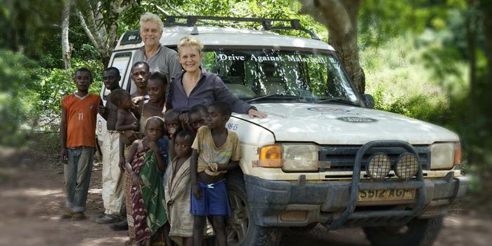 LAND ROVER ZET ZICH IN VOOR DRIVE AGAINST MALARIA EN ORGANISEERT EEN FIETSHAPPENING MET ALS DOEL EEN NIEUWE DEFENDER TE SCHENKEN