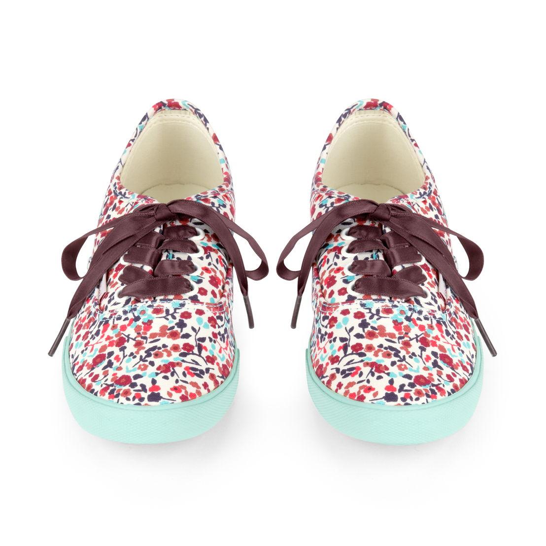Sneakers in Bloom