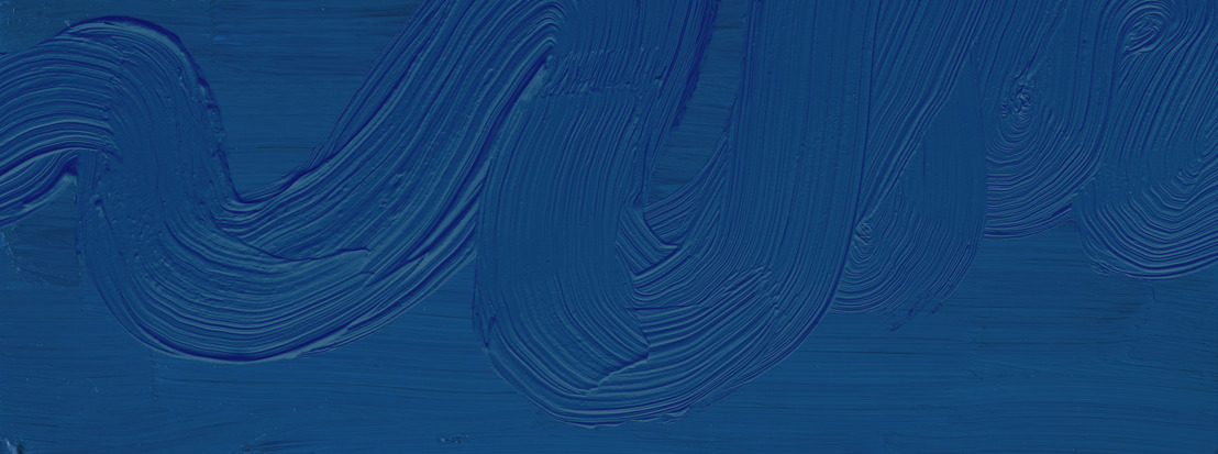 Una nuova carta da parati in Classic Blue rilasciata in occasione dell'annuncio del colore Pantone 2020
