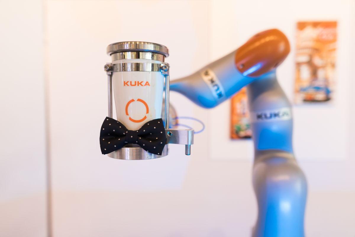 De cocktailrobot shaket jouw favoriete drankje in een mum van tijd