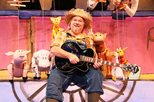 Click, Clack, Moo: Cows That Type brings farmhouse fun to Center for Puppetry Arts, June 12-July 29