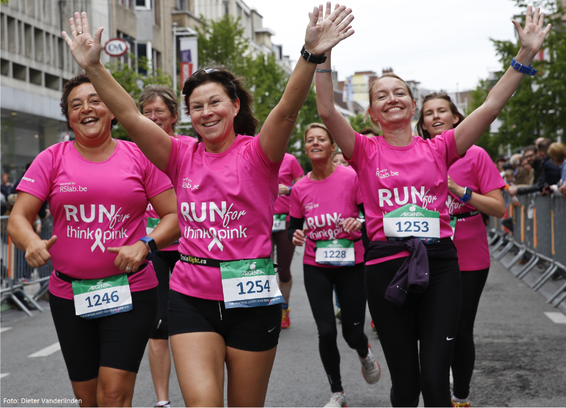 Borstkankerpatiënten lopen samen Antwerp 10 Miles