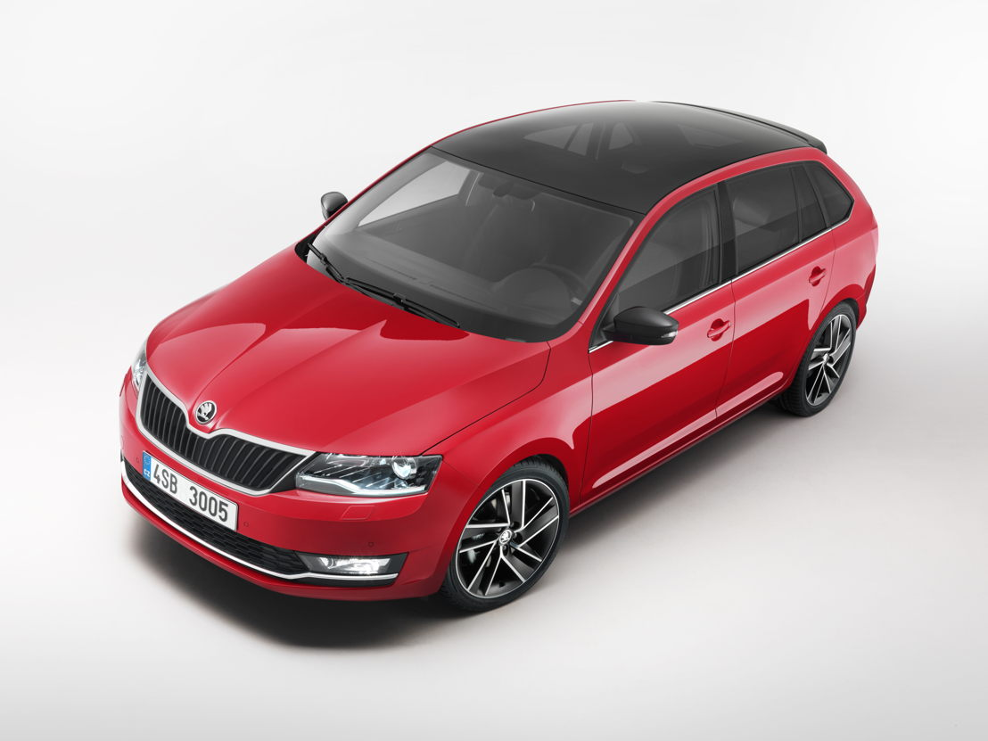 In Geneva, the ŠKODA RAPID SPACEBACK is on show in the particularly sporty Monte Carlo version. Numerous black design elements identify the 4,303-mm-long compact car as an athlete at first glance. Looking at the car's rear, the longer rear window is most eye-catching.