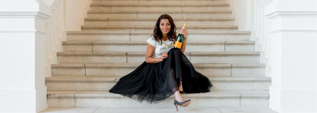 Oostendse Boulevard de Champagne strikt Sepideh Sedaghatnia als gastvrouw!