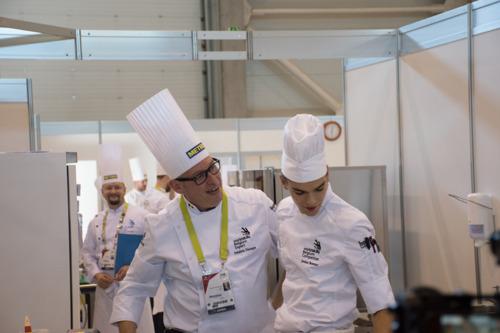 12 et 13 mars à Marche : épreuves Cuisine et Service en salle une semaine avant la finale belge... et puis la mondiale russe