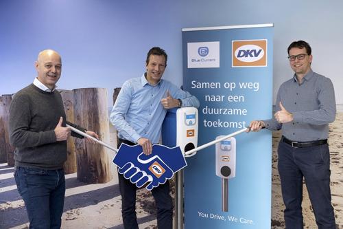 DKV in zee met Blue Current voor laadpalen elektrische auto's