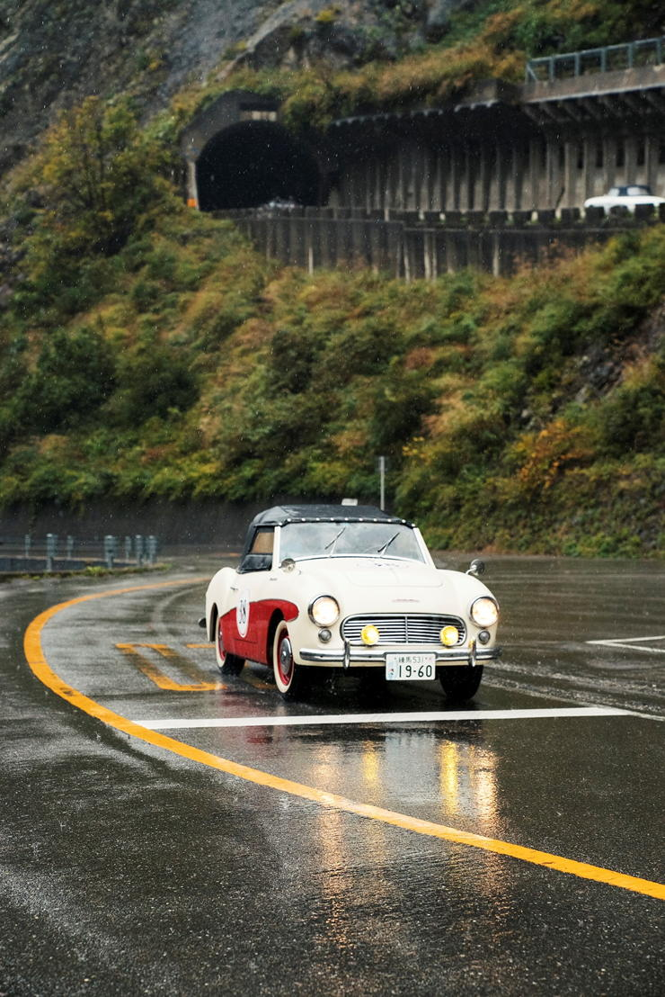 Car model:1960 Datsun Fairlady SPL212