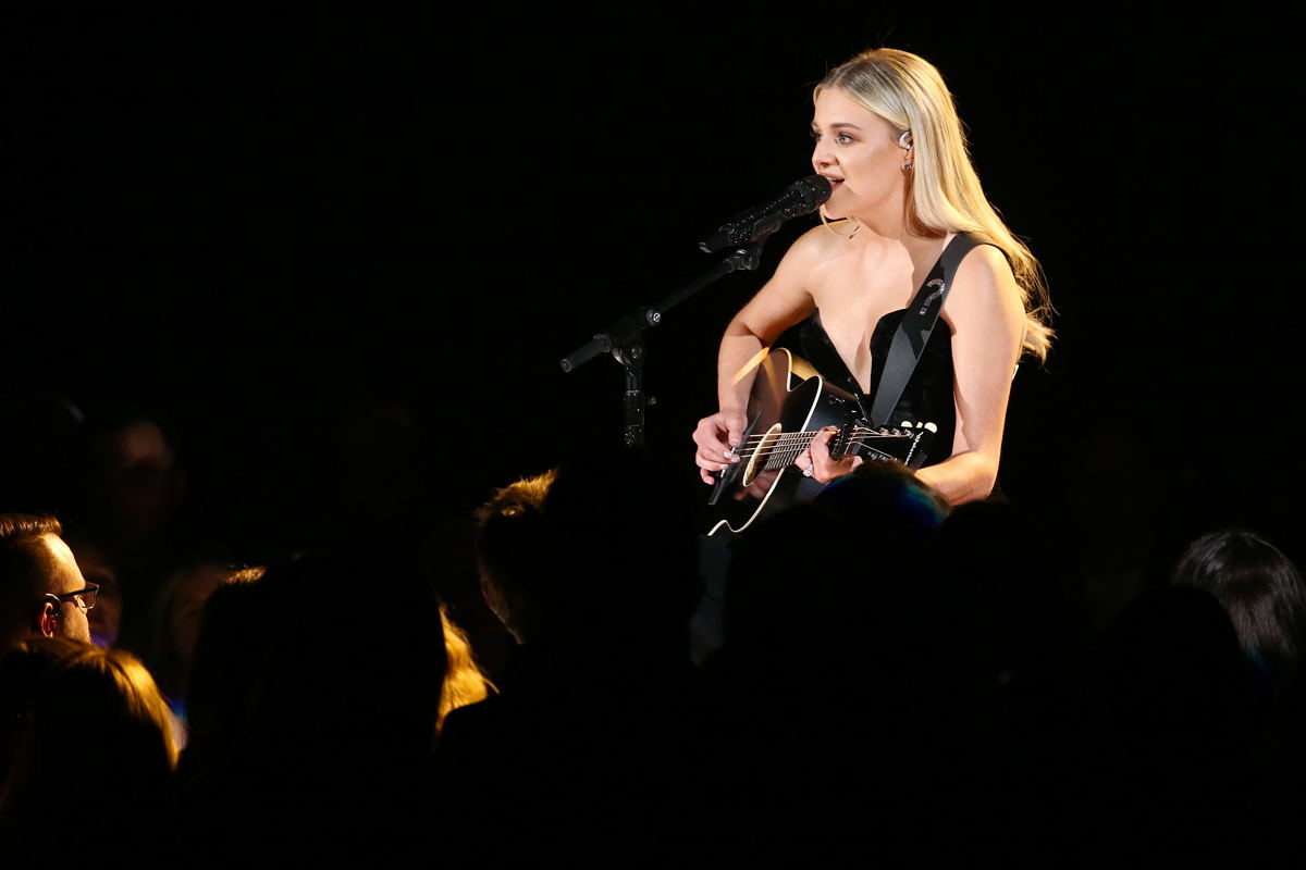 "Early in the evening, Female Vocalist of the Year nominee Kelsea Ballerini took the stage to deliver a mesmerizing, stripped-down version of ""Homecoming Queen"", the leading single off of her latest album. Every detail of her intimate vocal performance was captured through a Sennheiser SKM 6000 handheld transmitter, coupled with an MD 9235 capsule. Credit: Getty, photographer Terry Wyatt, Getty Images Entertainment."