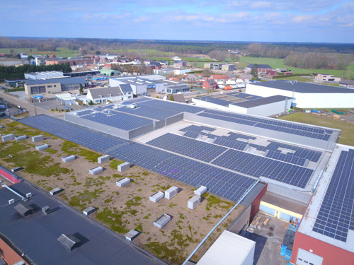 176 tonnes de CO2 évitées pour le producteur de bougies Spaas, grâce à l'installation photovoltaïque d'Insaver