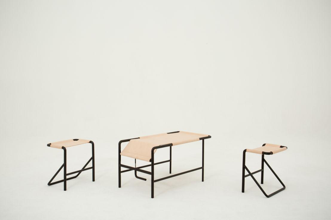Isola, stoel en salontafel. Ontwerp: Pierre-Emmanuel Vandeputte. Photo: (c) Miko/Miko Studio.