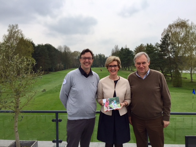 v.l.n.r. Marc Verneirt, secretaris generaal Golf Vlaanderen - Ann Schevenels, gedeputeerde provincie Vlaams-Brabant - Erik Moons, Golf Keerbergen