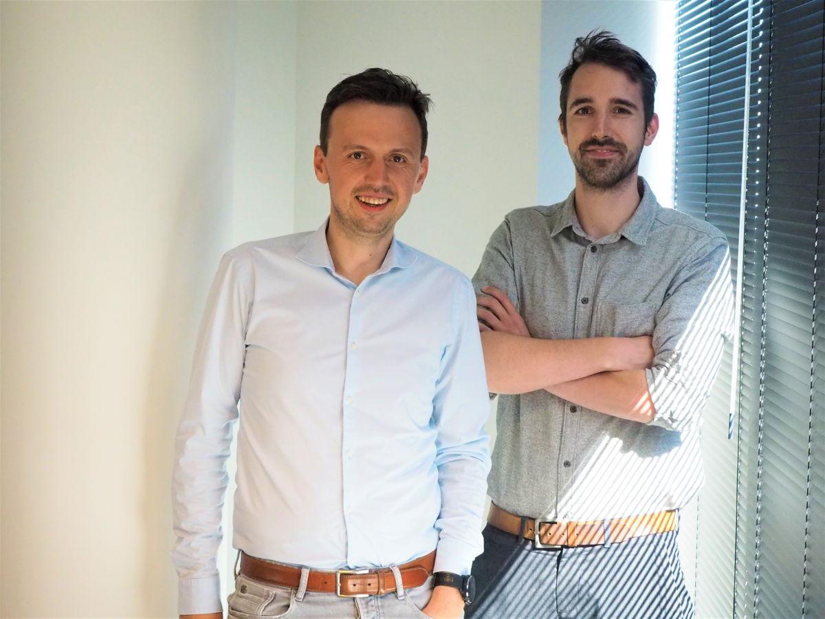 v.l.n.r. Oprichters Maarten Callaert en Stijn Decubber, Product Lead en Tech Lead bij Paperbox