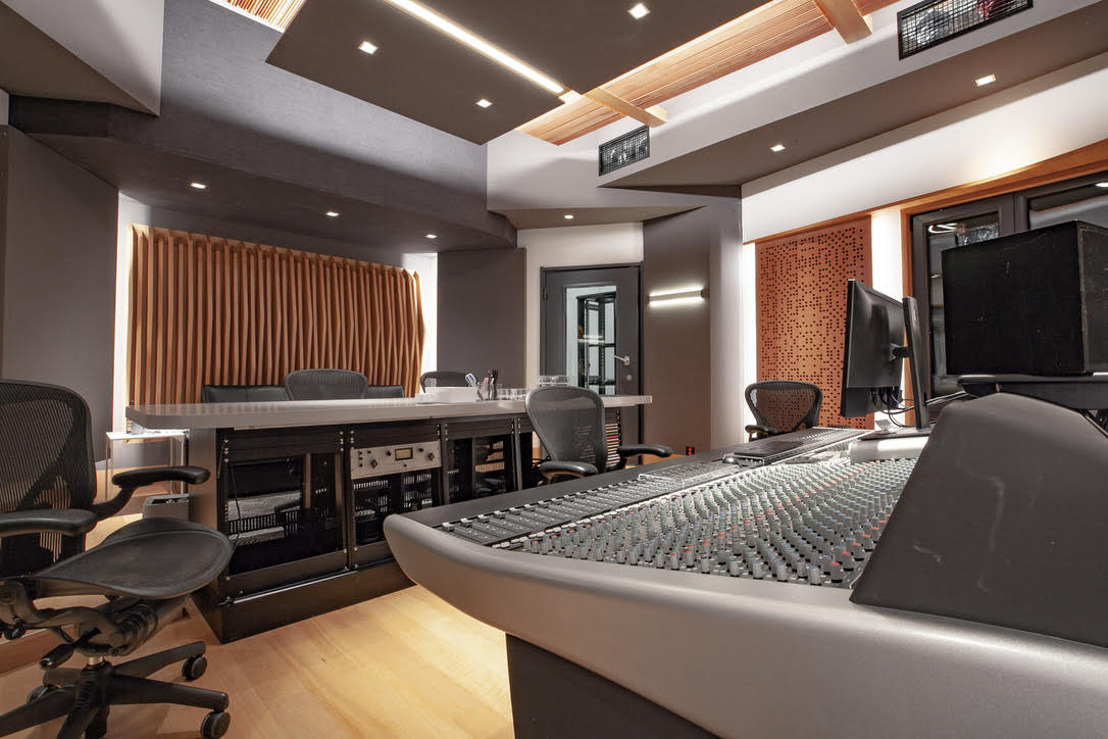 TC Zhou Debuts WSDG Design For Studio 21A And TC Faders