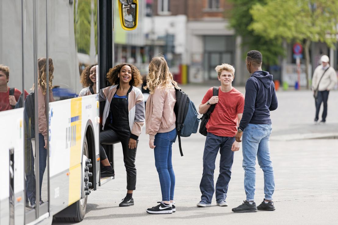 Starters in het 1e middelbaar reizen in september gratis met bus en tram