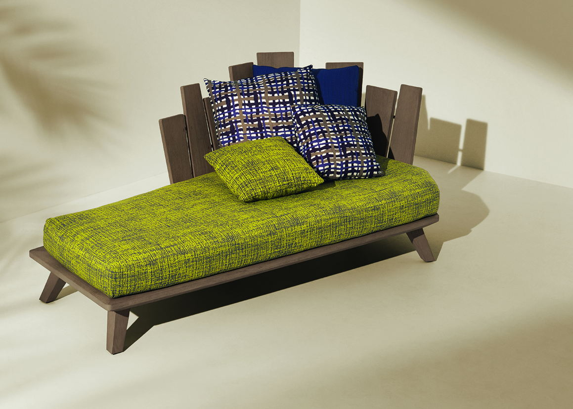 Rafael lounge bed by Paola Navone for Ethimo Design