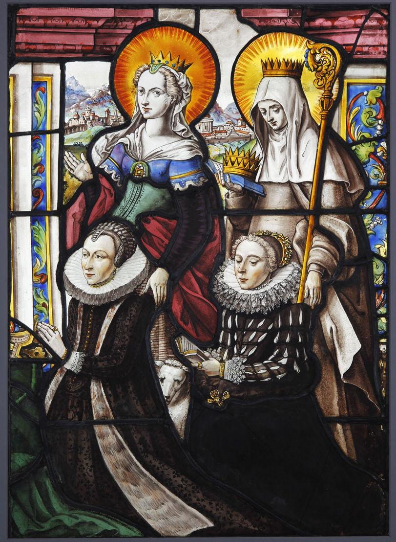 Jan De Caumont, Margaretha Vekemans en haar dochter vergezeld van de H. Agnes en de H. Elisabeth van Hongarije, 1618, gebrandschilderd glas. Afmetingen: 60 x 42,5. M – Museum Leuven. Foto (c) Katrin Kamrau