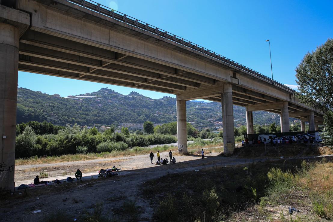 Des conditions de vie intolérables pour les migrants bloqués à la frontière franco-italienne