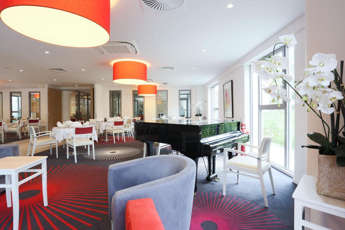 Un piano est accessible aux résidents musiciens