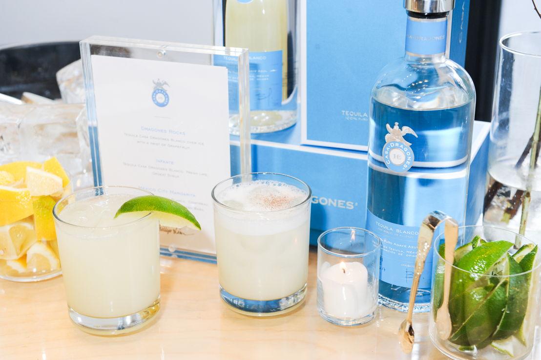 Coctelería con Tequila Casa Dragones Blanco