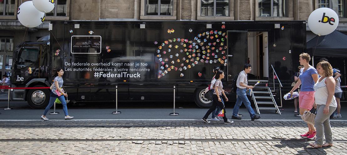 The Oval Office dagelijks on the road met de Federal Truck