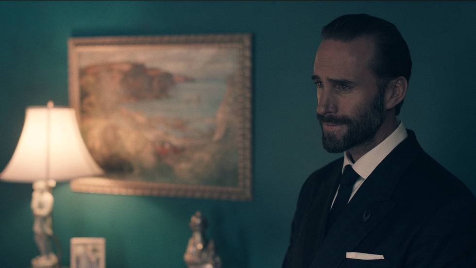 The Handmaid's Tale: Fred Waterford (Joseph Fiennes) - (c) Hulu