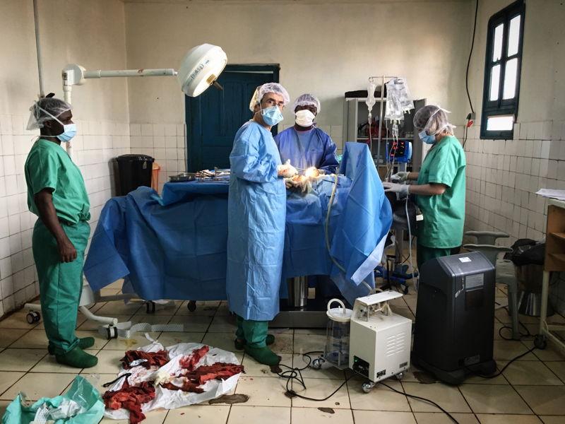 3월 24일~26일 브리아 병원 수술실 모습. 당시 국경없는의사회 팀들은 주로 소아과 활동을 실시하던 이 병원에 24명의 부상자들을 받았다. ⓒ MSF
