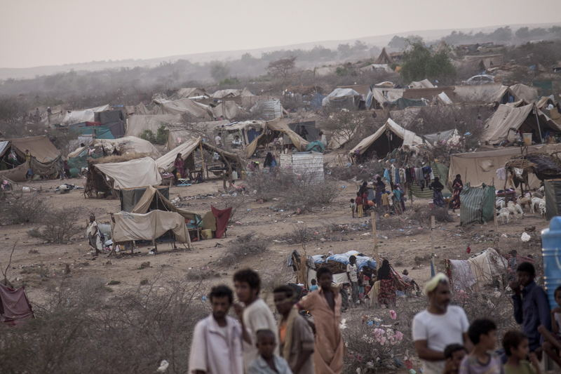 Displaced from the heavy fighting in Haradh bordertown and Sa'bah governorate are seen in Al Manjoorah temporary settlement at the outskirts of Beni Hassan, in Hajjah province, Northwest of Yemen. Photographer: Narciso Contreras