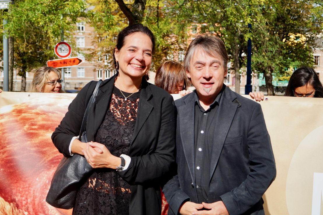 Christine Defraigne (MR), la présidente du Sénat de Belgique, avec Michel Vandenbosch, le président de GAIA, devant le Parlement wallon. © GAIA