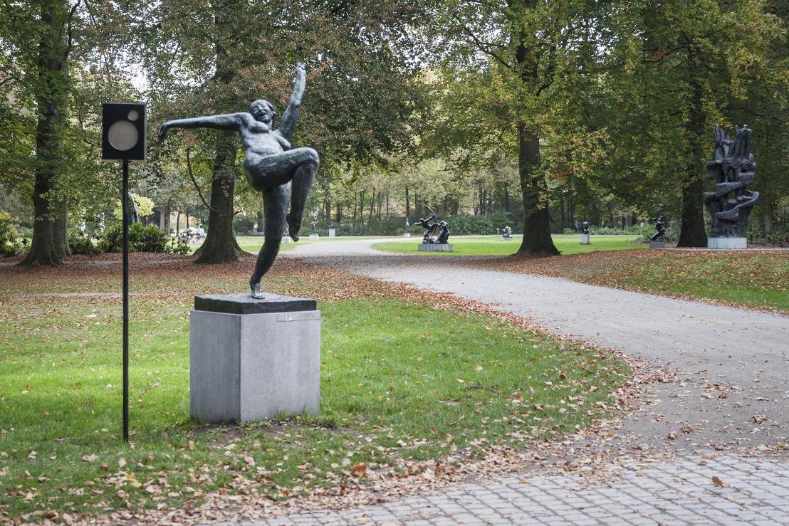 Dennis Tyfus, In De Balans (eindeloze zangstonde), 2018<br/>Middelheimmuseum, Antwerpen<br/>Copyright Dennis Tyfus<br/>Foto Ans Brys
