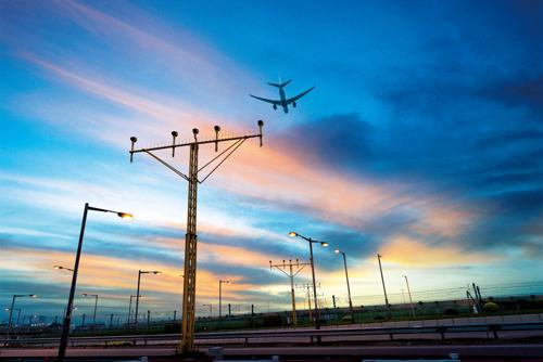 Thales s'associe à DAS pour soutenir le projet d'extension de l'aéroport international de Hong Kong