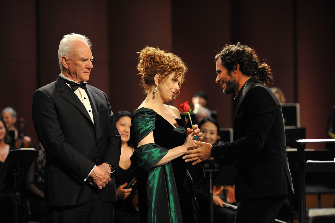 Mozart in the Jungle - Malcolm McDowell (Thomas Pembridge), Bernadette Peters (Gloria Windsor), Gael Garcia Bernal (Rodrigo de Souza) - (c) NICOLE RIVELLI