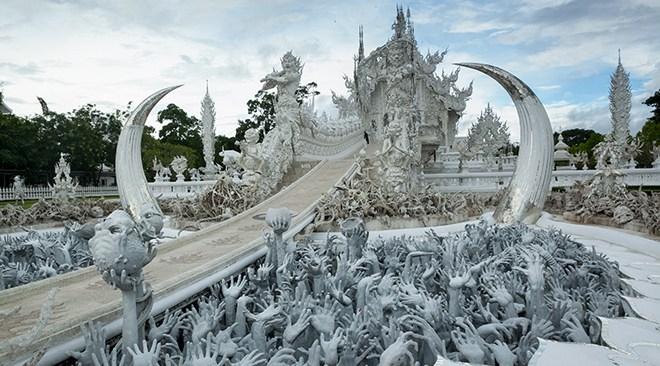 Chiang-Rai_Wat-Rong-Khun-3