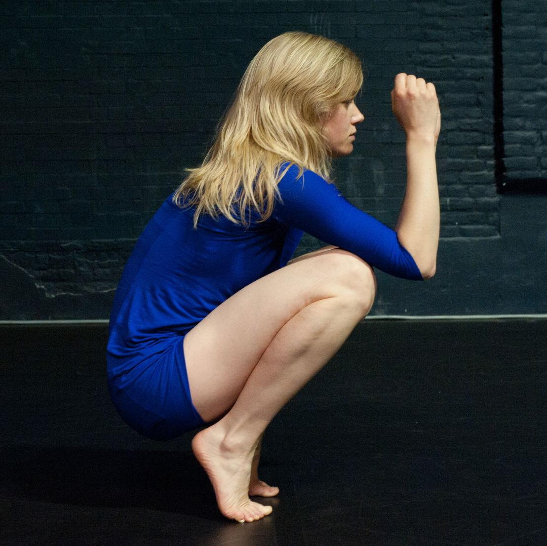 Charlotte Vanden Eynde - Shapeless + I'm Sorry It's... - 21 > 22/01 - © Constance Neuenschwander