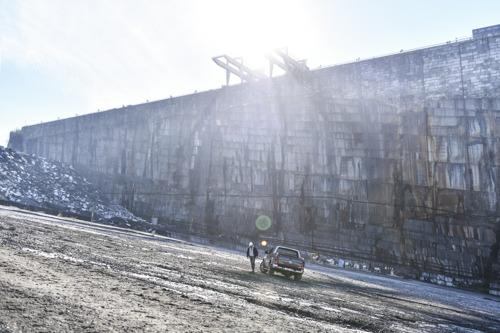Volkswagen et DDB traversent le temps et l'histoire avec un des derniers tailleurs de pierre belge : Frédéric De Meyer