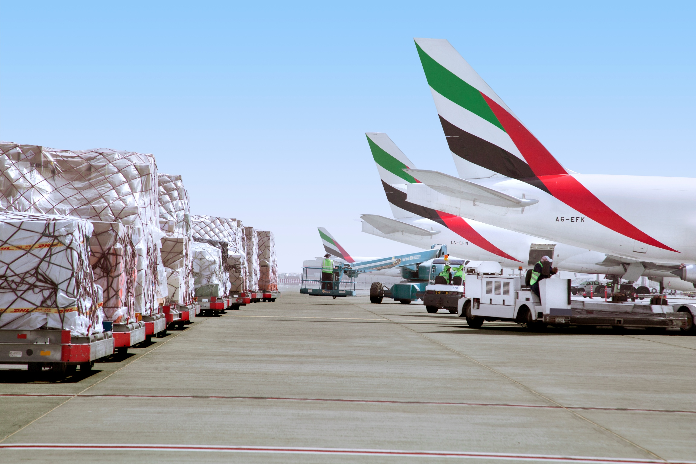 Emirates SkyCargo uplifts record volumes of mangoes & perishables from Mumbai