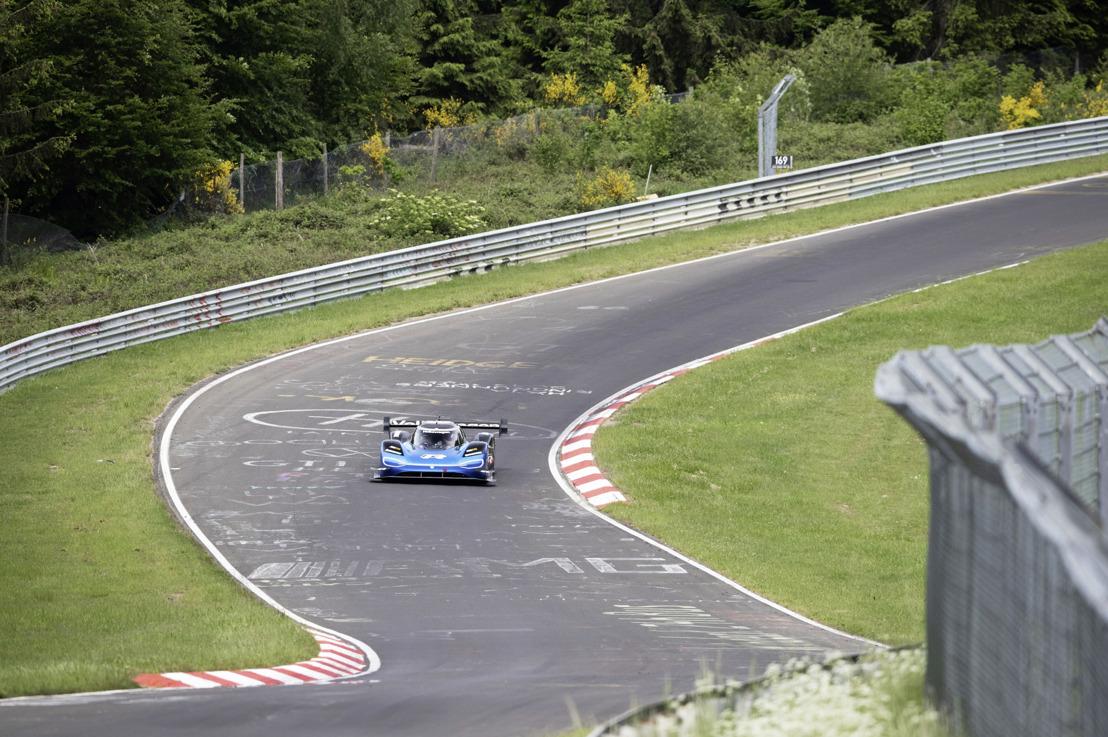 Record d'efficacité dans l'enfer vert du Nürburgring : le tour de piste révolutionnaire de la Volkswagen ID.R sur la Nordschleife en chiffres