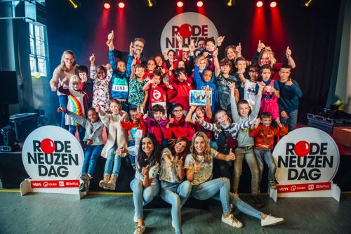 Hanne, Marthe en Klaasje geven concert voor Rode Neuzen School BimSem in Mechelen