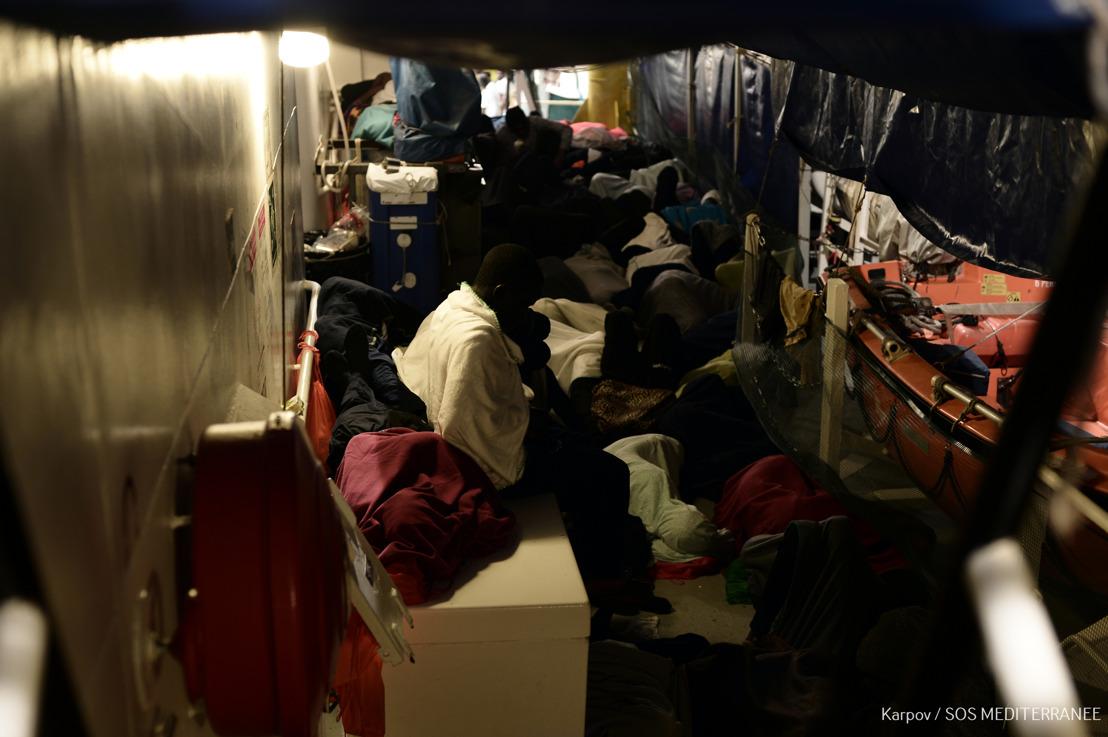 MSF demande urgemment le débarquement immédiat des 629 personnes à bord de l'Aquarius vers le port sûr le plus proche.