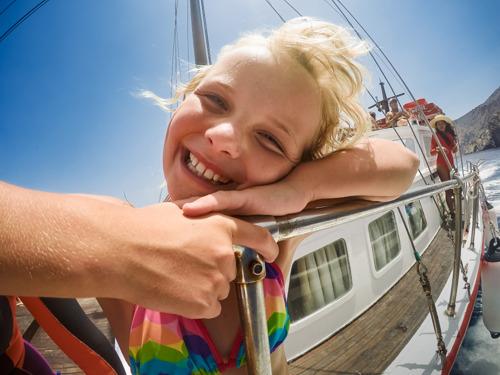 ¡Feliz Día Mundial de la Sonrisa! Trucos para alegrar a tus fotos sonrientes