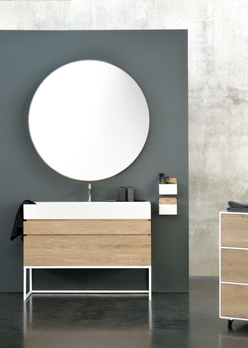 Ethnicraft Bathroom -<br/> Layers collection in solid oak