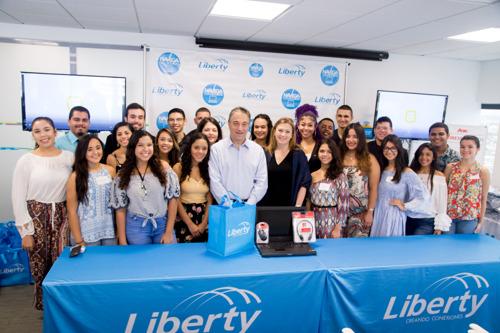 Telenet schenkt 50 laptops aan Puerto Ricaanse scholen
