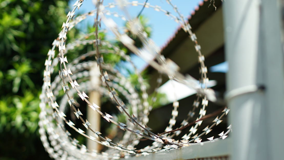 Razor wire (Photo credit: Phil Hemingway)