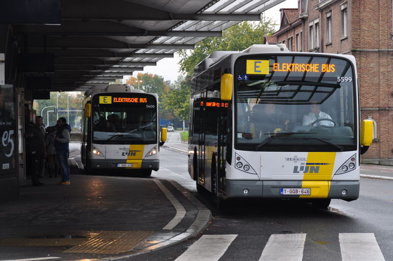 2 inductively charged, fully electric busses at the 't Zand square in Bruges.