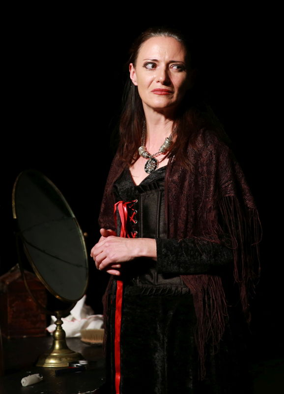 Dianne Simpson in Rose Red. Image by Nardus Engelbrecht