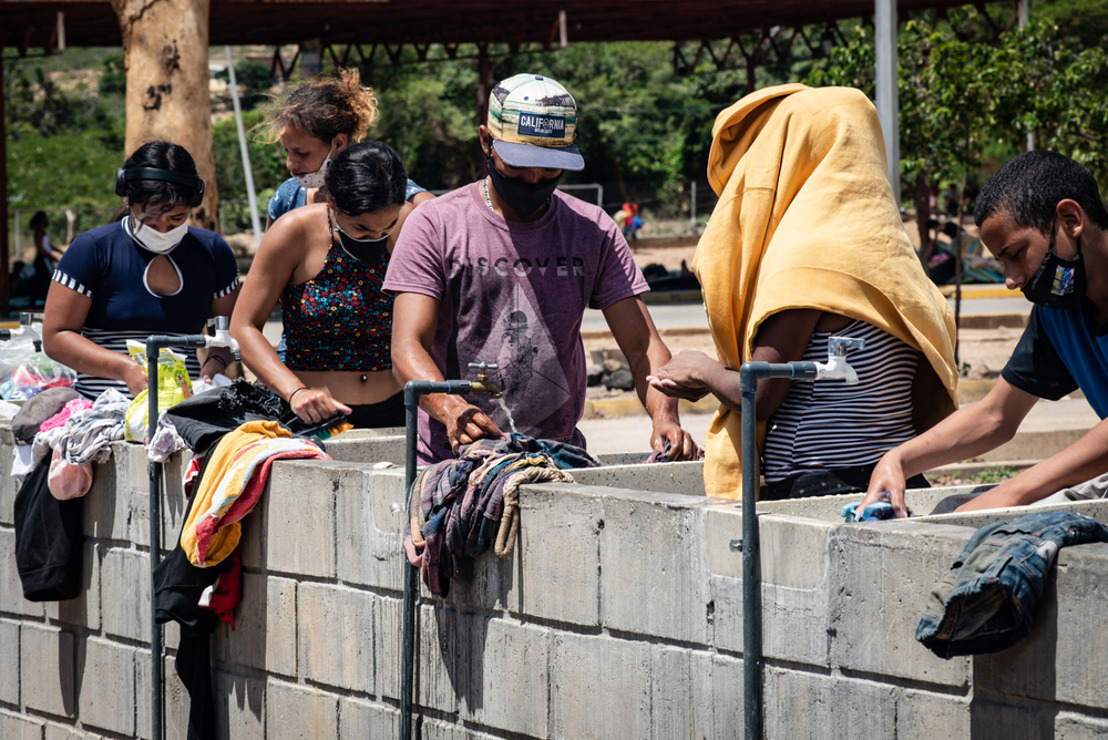 Miles de venezolanos retornan al país por la crisis económica en la región a causa de la COVID-19